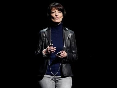 Facebooks secretive hardware unit head Regina Dugan to step down early 2018
