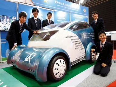 Japanese automakers embrace electric cars; have not ruled out alternative options
