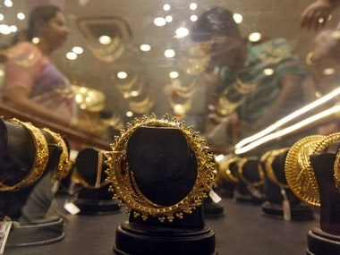 Gems and jewellery exports dip by 8.67% to Rs 2.64 lakh cr in FY18 on demand slump from UAE