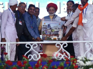 Prime Minister Narendra Modi felicitated by locals on Sunday. Twitter @pmoindia