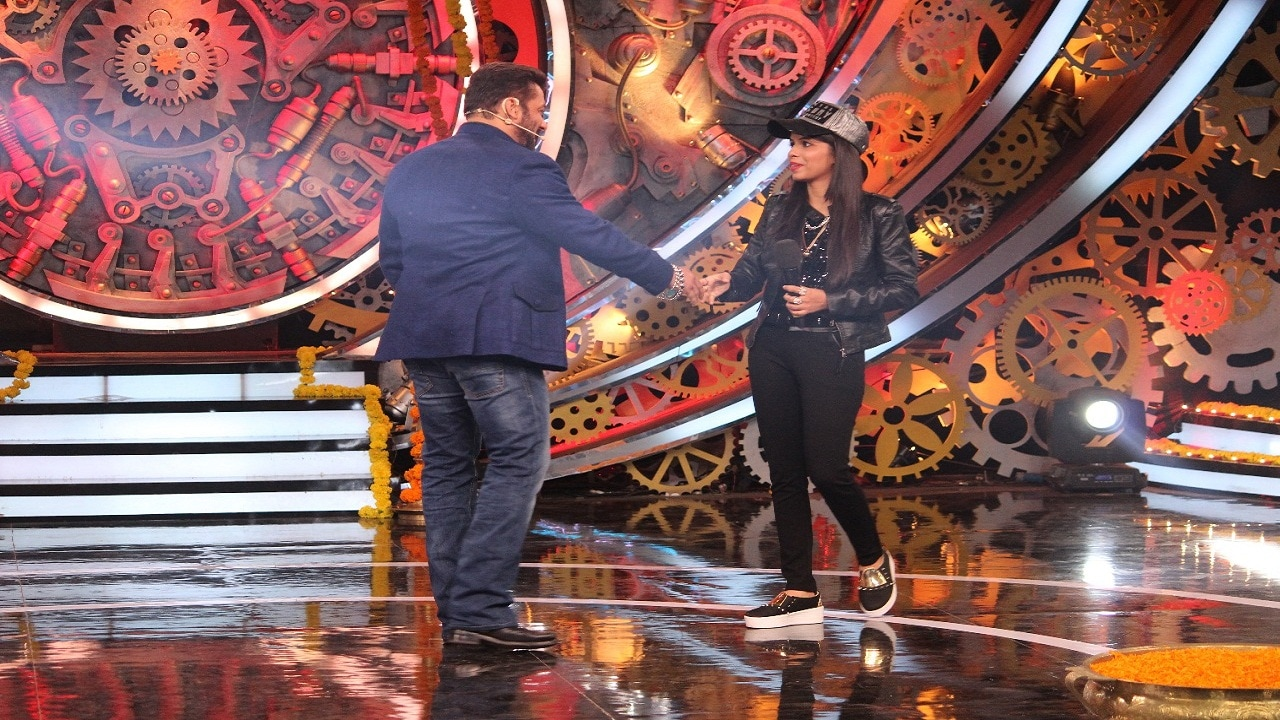 Salman Khan and Dhinchak Pooja on Bigg Boss 11 Weekend Ka Vaar
