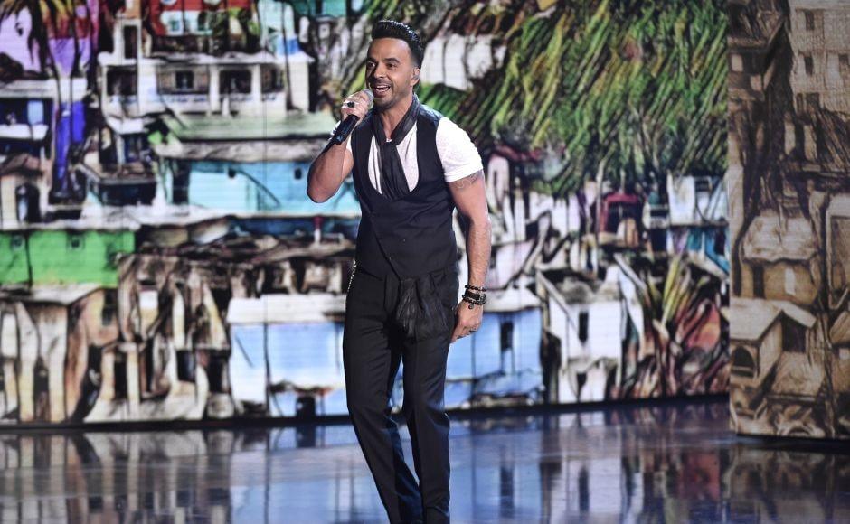 Luis Fonsi performs