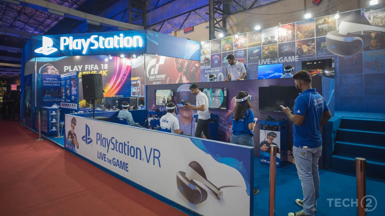 Sony had considerably increased the number of booths for gamers to experience the VR games. Image: tech2/Rehan Hooda