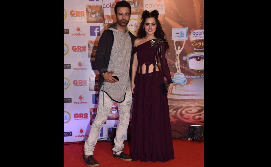 Aamir and Sanjeeda Sheikh looked eccentric. Image from Twitter/@ColorsTV