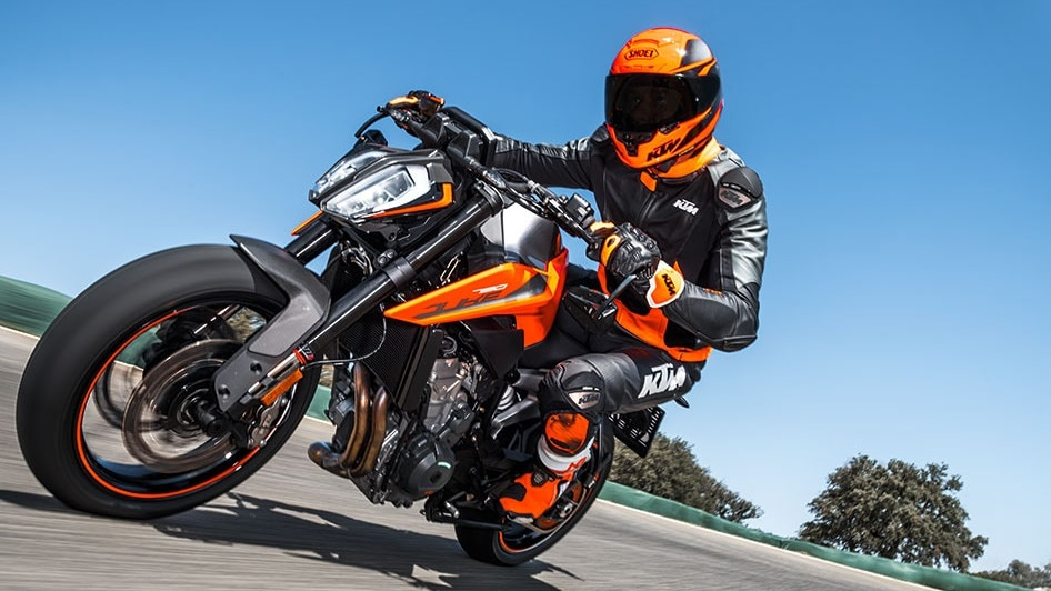 2018 KTM 790 Duke with its new 799cc engine.