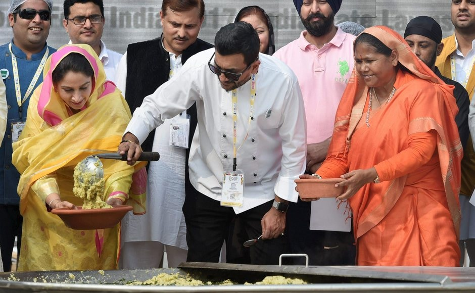 Apart from popular chef Sanjeev Kapoor, other leading chefs including Imtiaz Qureshi, Ranveer Brar, Sudhir Sibal, Rakesh Sethi, Akshay Nayyar, Satish Gowda also helped in the cooking of the dish. PTI