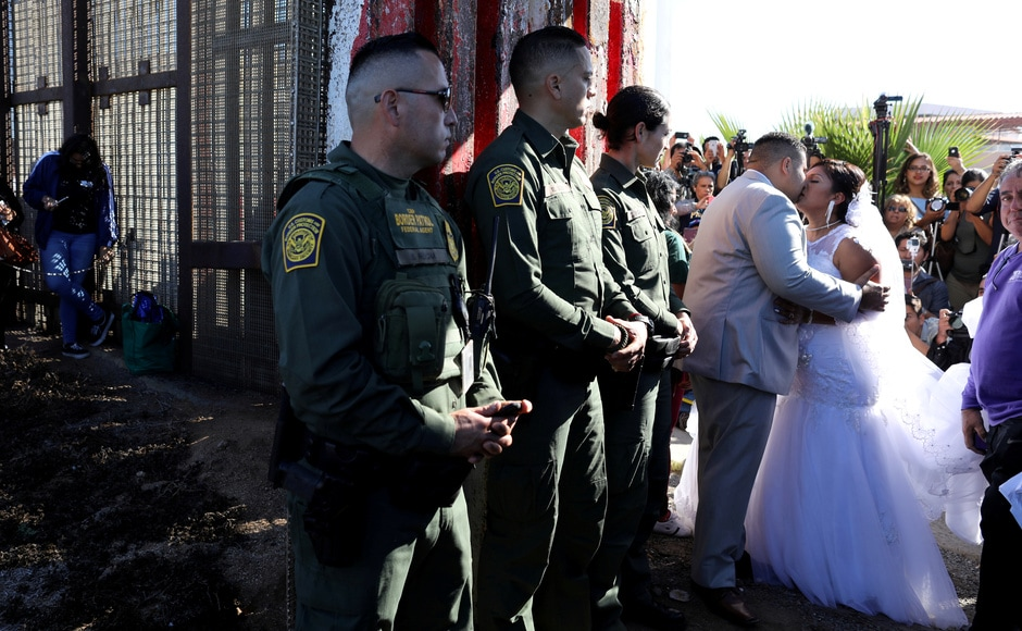 The gate that remained open for only an hour and as part of the initiative, US resident Brian Houston was also allowed to marry Evelia Reyes within that one hour. Reuters