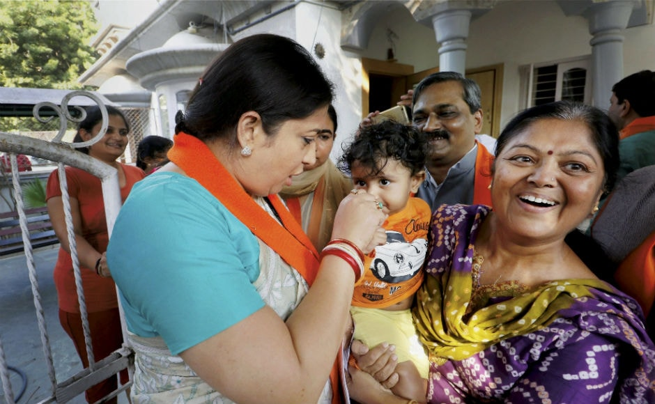 The Union textiles minister conducted door-to-door campaign, and meet the voters. She also challenged Rahul Gandhi for a open debate on about technicalities and issues of textile industry in Surat and Gujarat. PTI