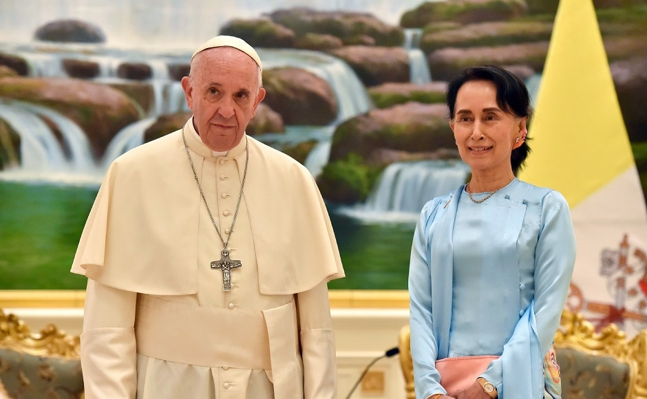 Pope Francis met with Myanmar's leader Aung San Suu Kyi in Naypyitaw and spoke about the