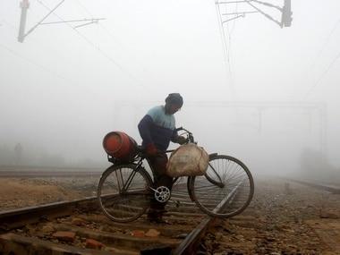 Major train accident averted as Sampark Kranti hits vehicle near Bhopal