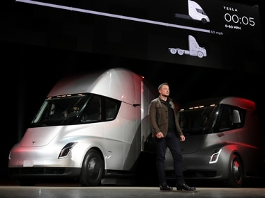 Tesla gets high-profile orders from Wal-mart, JB Hunt for its electric semi-truck
