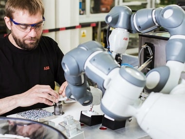 ABB and Kawasaki join hands; announce collaborative robot automation cooperation