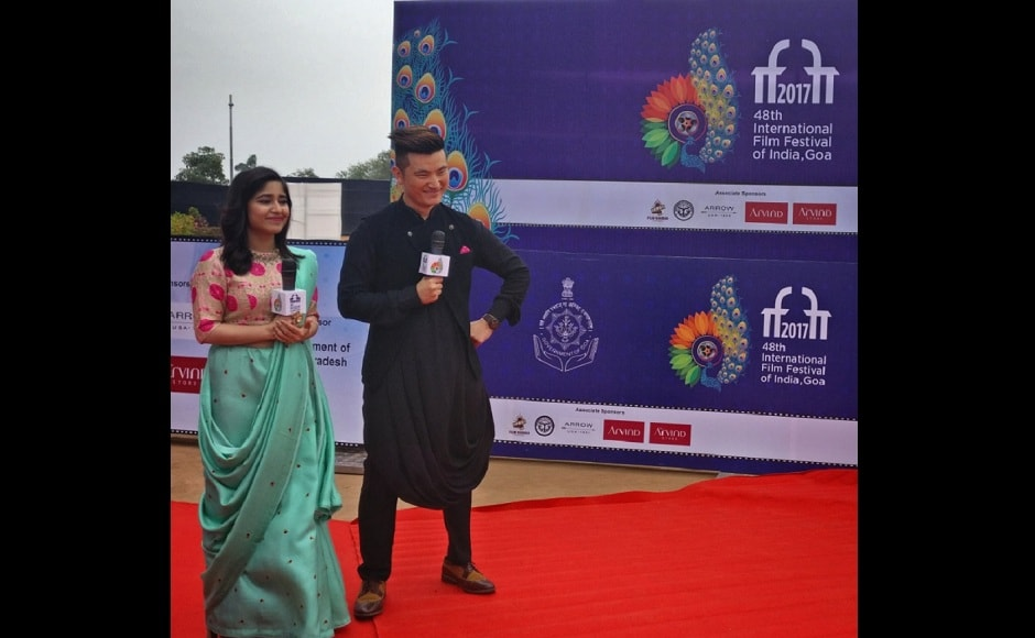 Shweta Tripathi and Meiyang Chang give the guests a warm welcome on the red carpet/ Image from Twitter/@meiyangchang