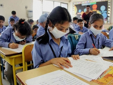 After Delhis air quality turns very poor, AAP govt urges parents to restrict outdoor activities of students