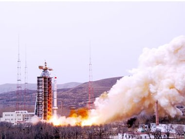 China successfully launches remote sensing satellites on a Long March-2C rocket