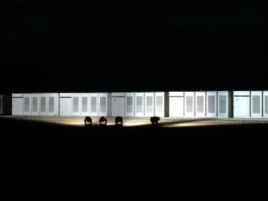 Tesla completes the construction of the worlds largest lithium-ion battery in Australia