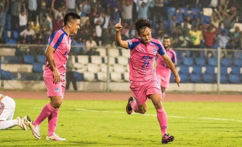 Bengaluru FC's Udanta Singh (right). Image courtesy: Twitter/@BengaluruFC