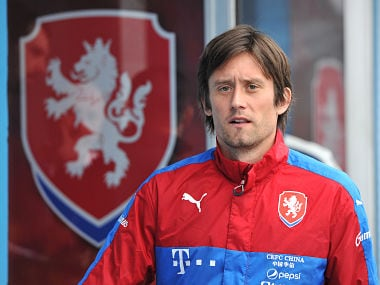 Former Arsenal midfielder Tomas Rosicky announces retirement from professional football