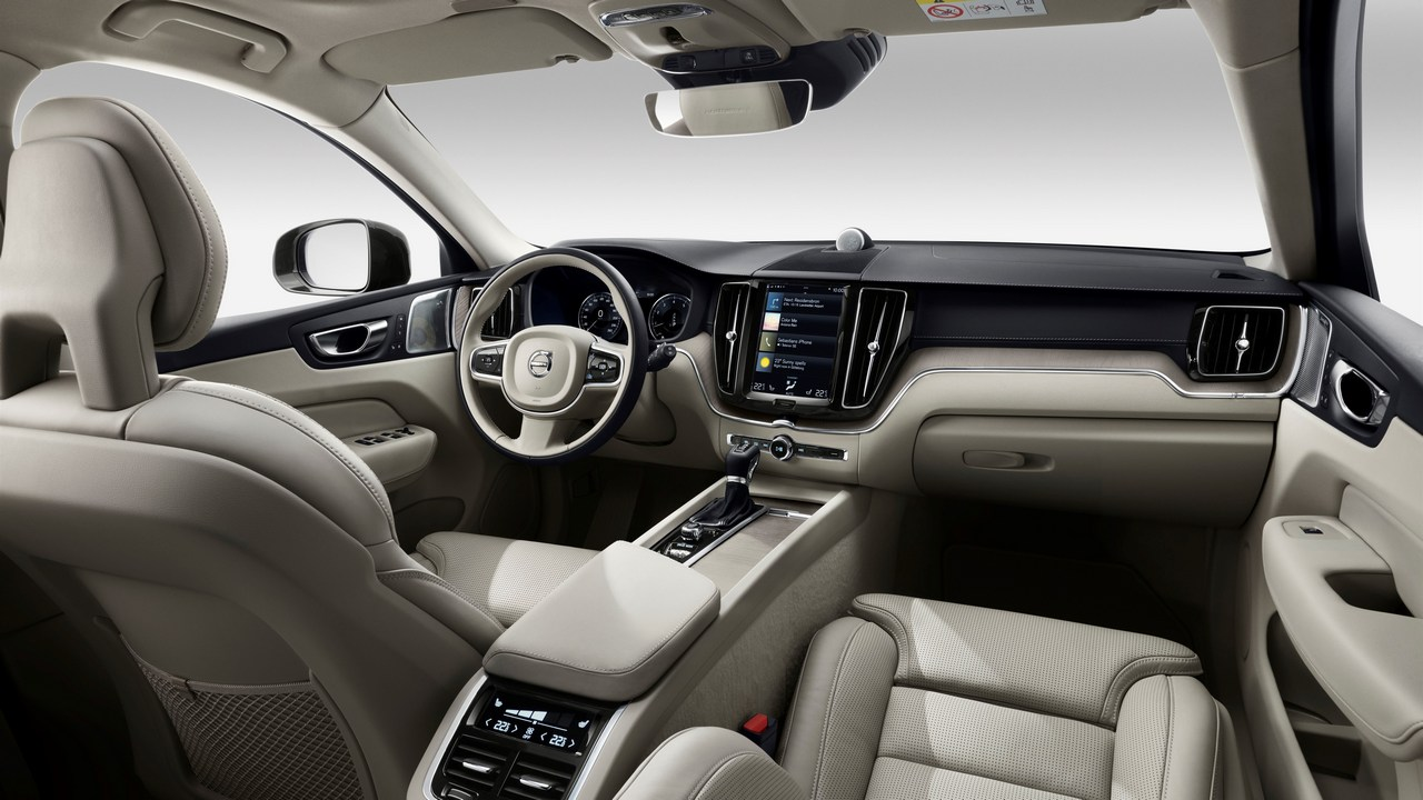 The steering and the vertical infotainment screen establish the resemblance with the XC90 yet again. Image: Volvo