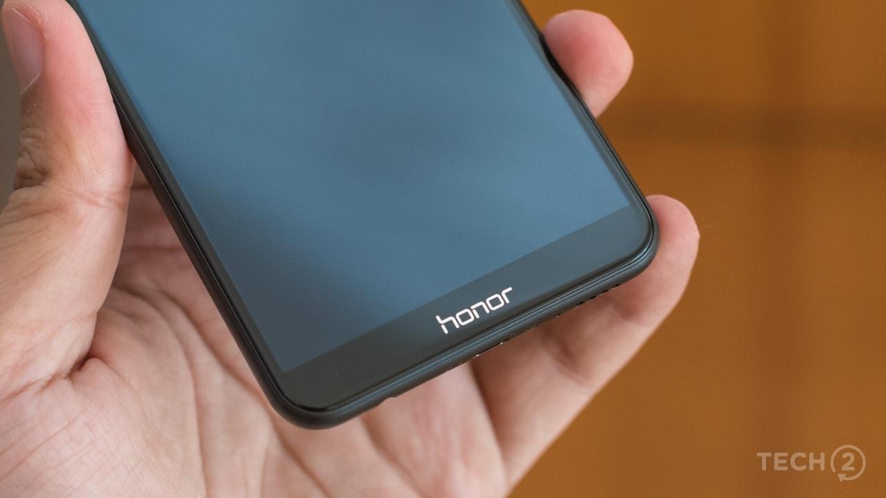 The 'Honor' branding on the chin. Image: tech2/Rehan Hooda