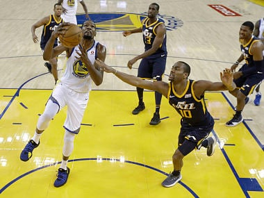 NBA: Kevin Durant leads Warriors to victory over Jazz; Vince Carter helps Kings beat Cavaliers