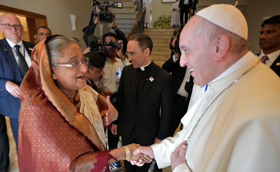 Pope Francis meets Sheikh Hasina in Bangladesh, urges for 'decisive measures' to resolve Rohingya crisis