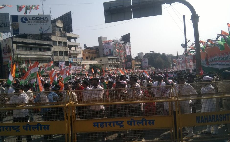 Congress and NCP were later joined by leaders from the SP, CPI, CPM, RPI, and RPI(Kavade Group). The march aimed to corner the BJP-Shiv Sena government in the state for its unfulfilled promises such as Minimum Support Price (MSP) price for farmers. Firstpost/Sanjay Sawant