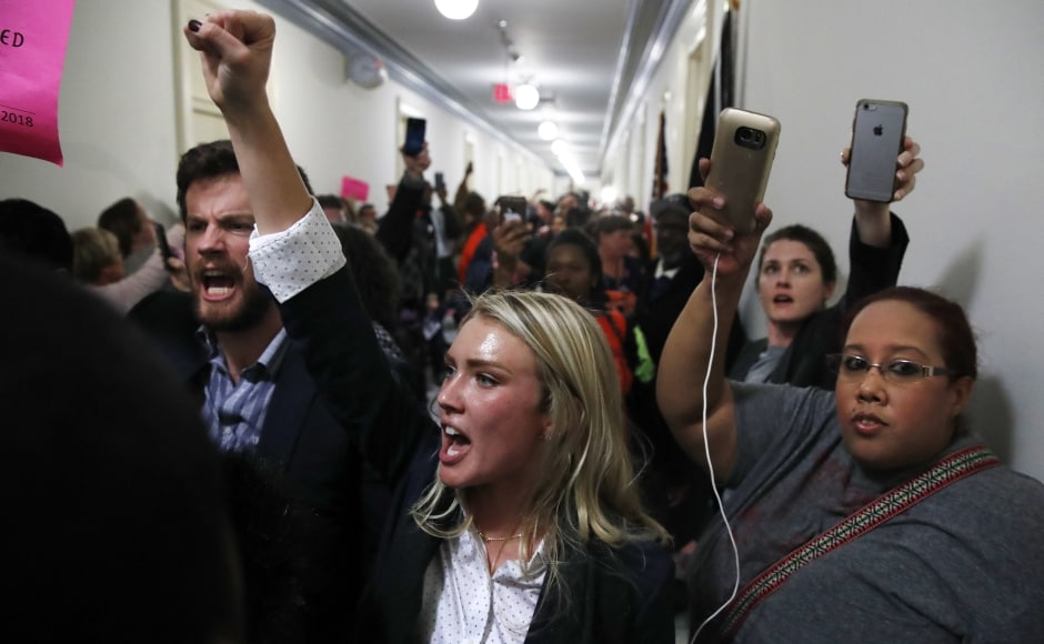 Senate Democrats mocked the nearly 500-page printed text of the legislation — complaining it was given to them at the last minute before the vote.<br />And it had illegible, hand-written notes in the margins, they protested. AP