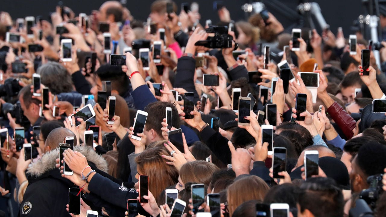 Changing consumer behaviour to be blamed for dwindling smartphone sales: Report