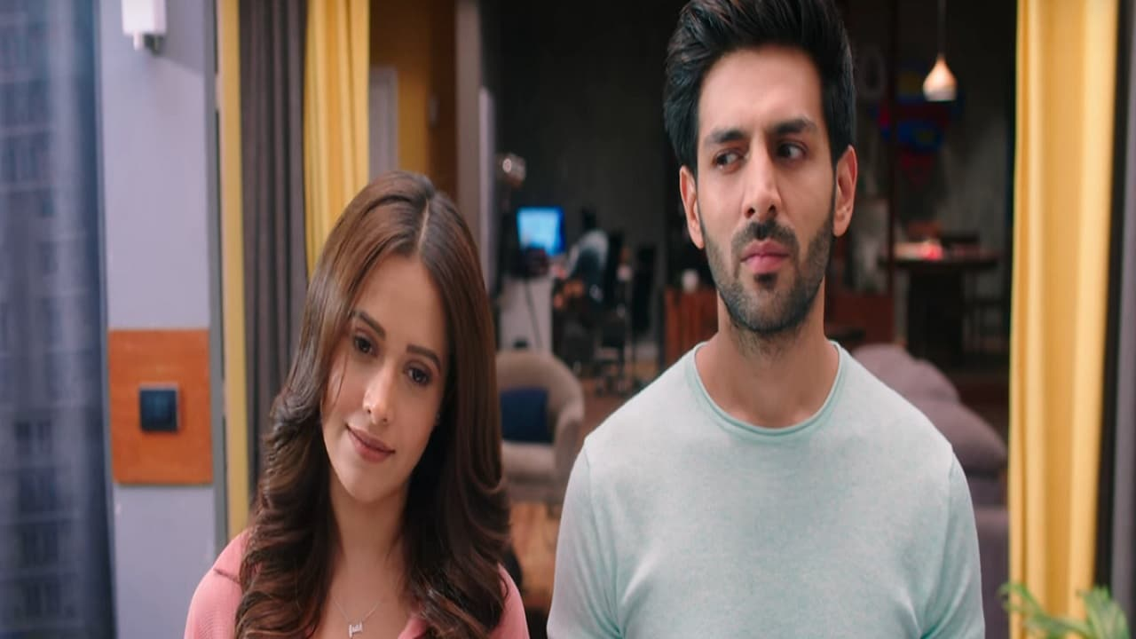 Nushrat Bharucha and Kartik Aaryan in a still from Sonu Ke Titu Ki Sweety. YouTube
