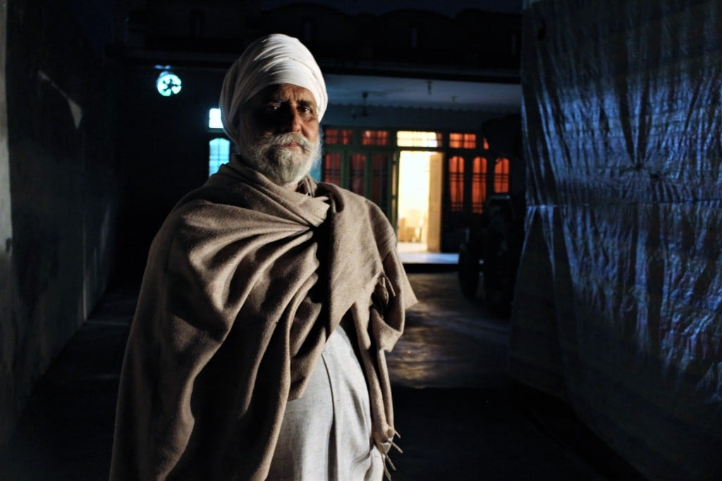 Gursimran Singh, a retired headmaster said he prefers dying in his home than moving to a shelter. Image by Sameer Yasir.
