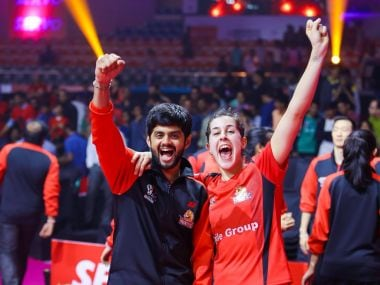 Carolina Marin with Hyderabad Hunters' teammate B Sai Praneeth after the match. Image courtesy: Twitter @Hyd_Hunters