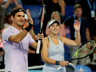 Hopman Cup: Roger Federer pays tribute to Martina Hingis after teaming up with Belinda Bencic to win title