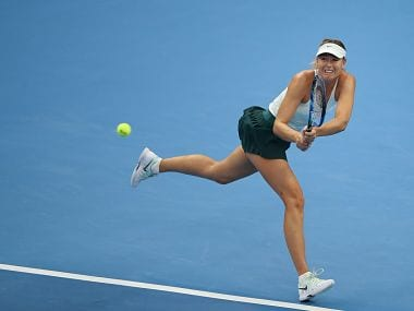 Maria Sharapova in action against Alison Riske. Image courtesy: Twitter @WTA