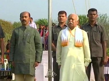 Mohan Bhagwat hoisting the flag in Kerala's Palakkad district on Friday. Image courtesy: Twitter/ANI