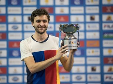 Gilles Simon poses with the singles title. Image courtesy: Maharashtra Open