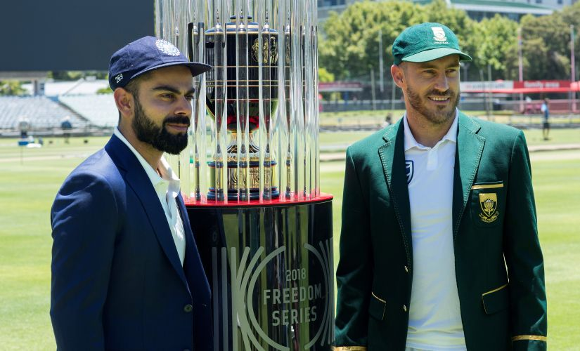 India's captain Virat Kohli(L) and South Africa's captain Faf du Plessis pose with the 2018 Freedom Series trophy. The first Test starts on 5 January. AFP