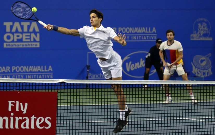 French duo of Pierrer-Hugues Herbert and Gilles Simon knocked out defending champions Rohan Bopanna and Jeevan Nedunchezhiyan. Maharashtra Open