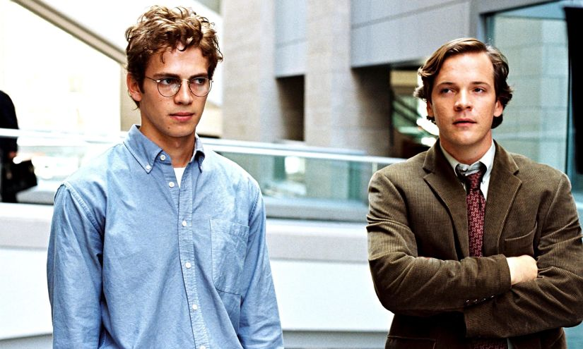Hayden Christensen as Stephen Glass and Peter Sarsgaard as Charles Lane in Shattered Glass