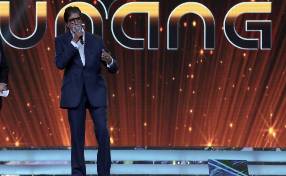 Amitabh Bachchan speaks on stage at the Mumbai Police's annual cultural show, Umang. Photo: Firstpost/Sachin Gokhale