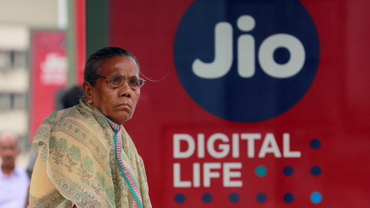 Jio to charge voice calls to rival networks at 6 paise/minute