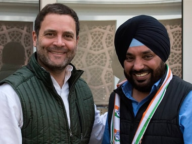 Congress president Rahul Gandhi with Arvinder Singh Lovely. Twitter @INCIndia