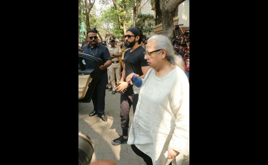 Farhan Akhtar with mother Honey Irani leaving Anil Kapoor's residence/Sachin Gokhale/Firstpost