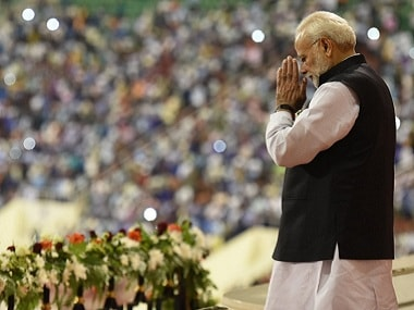 Narendra Modi addresses the Indian diaspora in Muscat. Twitter @narendramodi