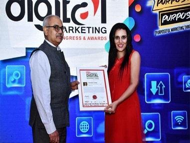 Priyanka Sehgal while receiving the award. exchange4media image.