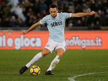 Soccer Football - Serie A - Lazio vs Genoa - Stadio Olimpico, Rome, Italy - February 5, 2018 Lazio's Stefan de Vrij shoots at goal REUTERS/Max Rossi - RC1952B0A2D0