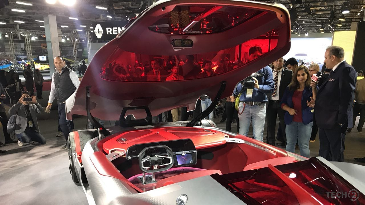 Roof opening Renault Trezor at Auto Expo 2018.