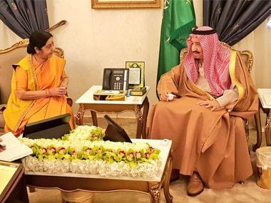 Union minister Sushma Swaraj with King Salman. Twitter @MEAIndia