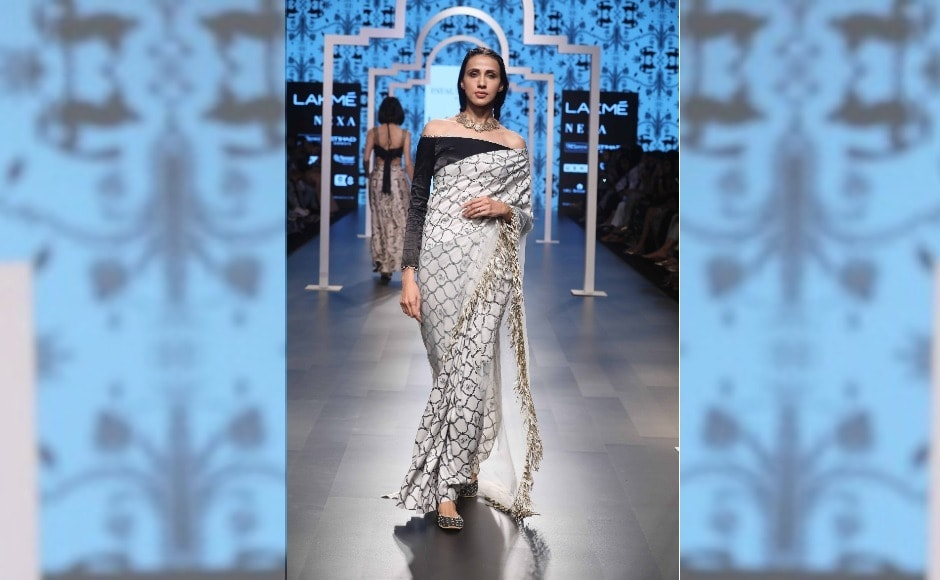 The lehengas, sarees, pants and jackets had inspirations of Islamic art from Turkey, Morocco, Persia, Mughal India, Iran and Afghanistan
