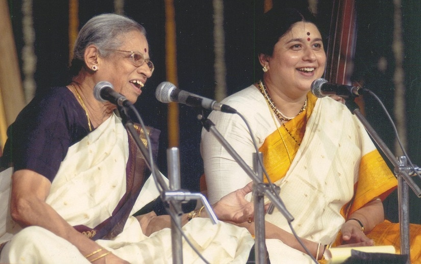 Kalapini Komkali (right) along with her mother Vidushi Vasundhara Komkali. Facebook/ Kalapini Komkali